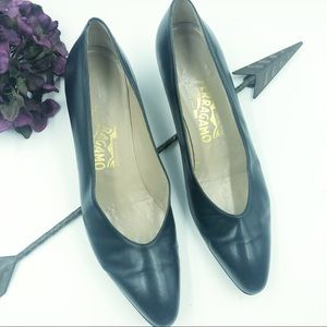 Salvatore Ferragamo | Vintage Navy Heels